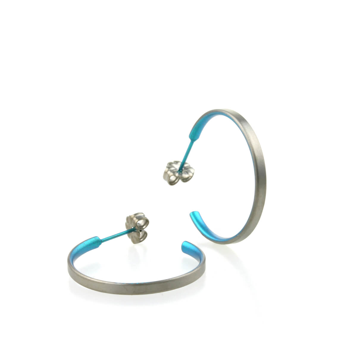 Ti2 Titanium Medium Hoop Earrings - Kingfisher Blue WPOGIiD